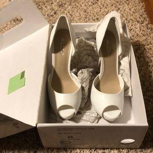 White high-heeled pumps!